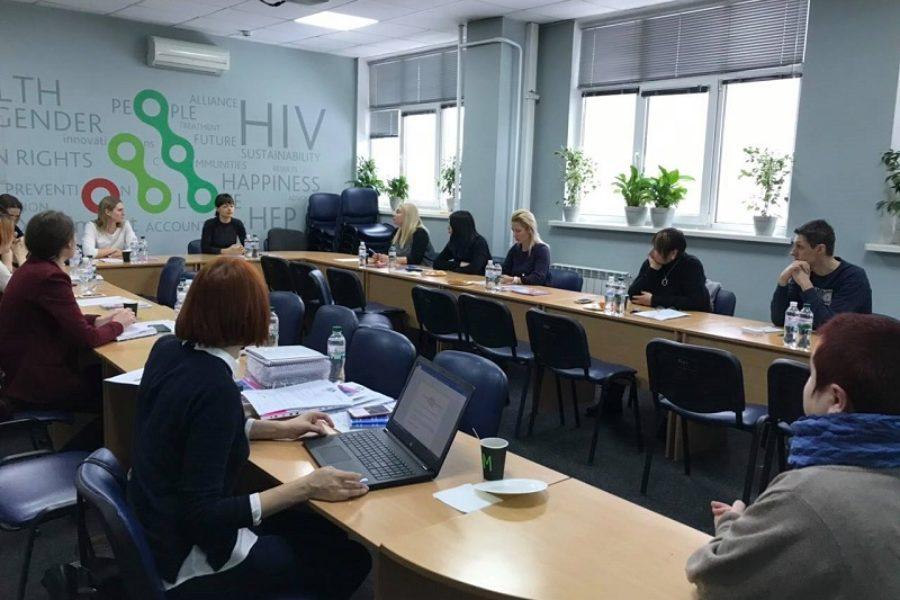 """Благодійний Фонд """"Надія та Довіра"""" ініціює об'єднання різних організацій, лікарів та пацієнтів для протидії ВІЛ"""